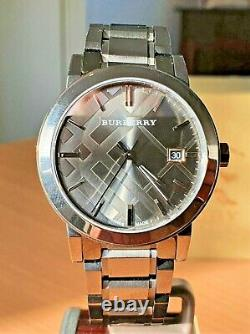 Burberry gunmetal patterned dial Swiss made quartz watch full set