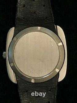 Vintage 1970s 39mm Omega Automatic Watch with Push-Pull Crown Date Set
